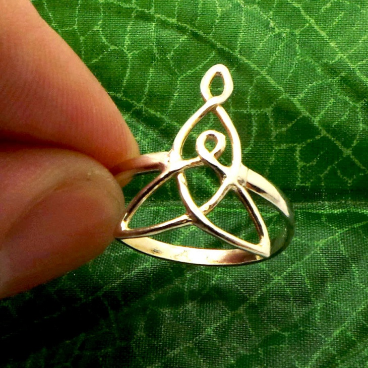 Celtic Knot Ring Idea