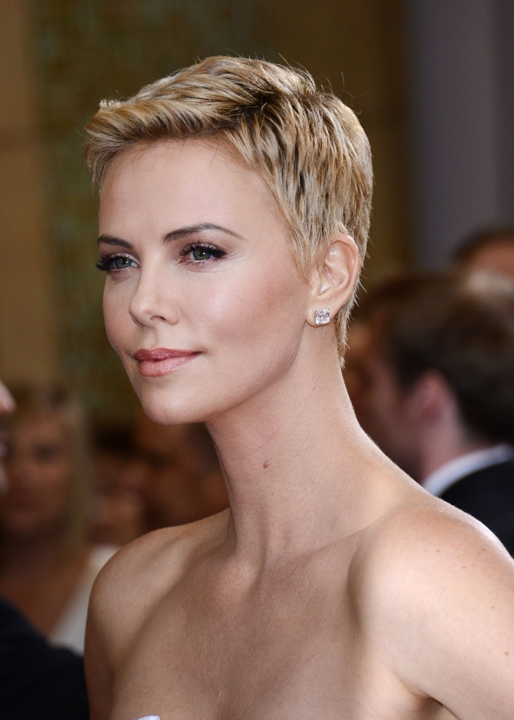 charlize theron short hairstyle for summer