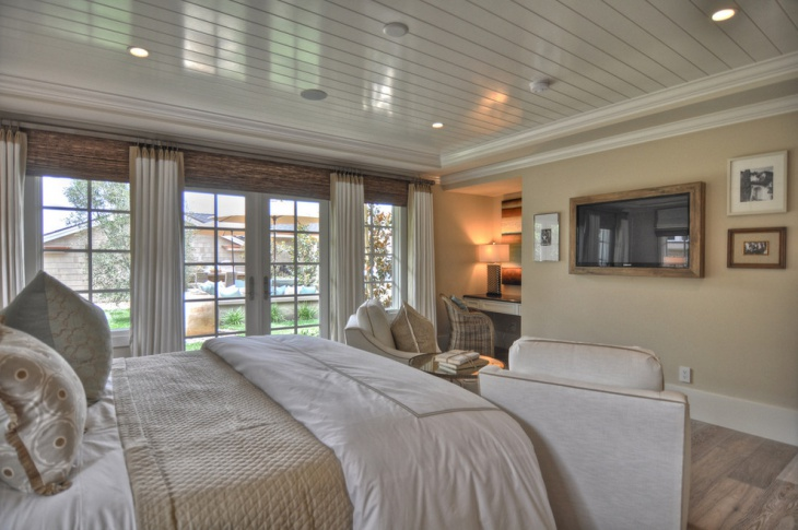 luxury guest room with ceiling