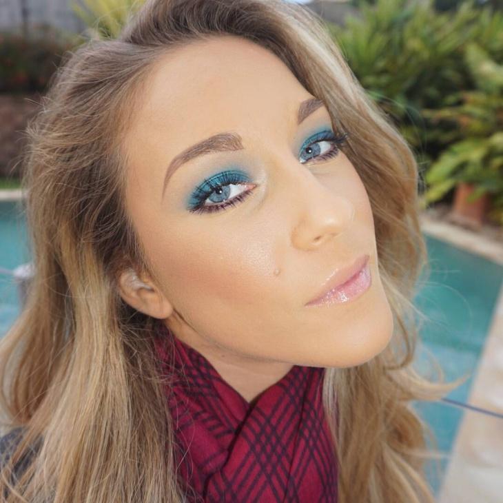 blue eyeshadow for blue eyes