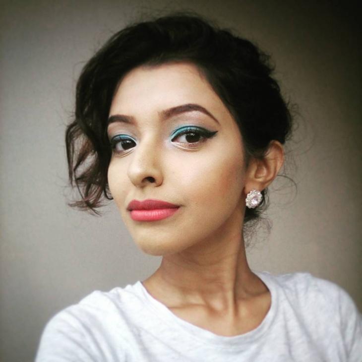 Trendy Eye Blue Makeup