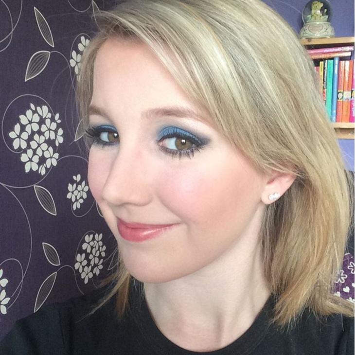 Crazy Blue Eye Makeup