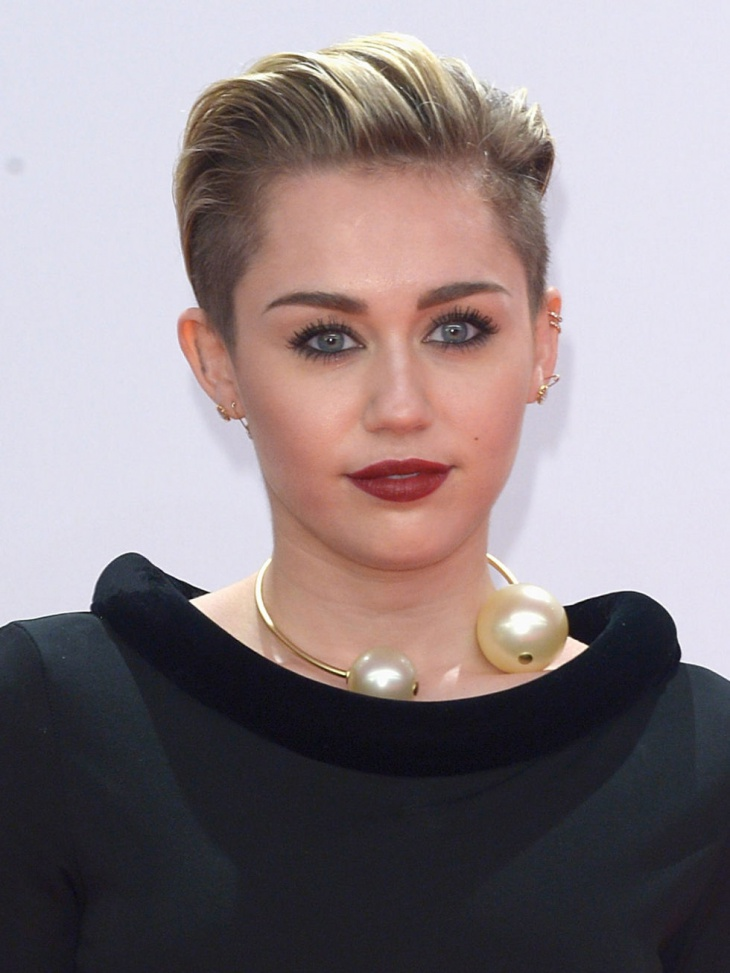 Miley Cyrus with Holiday Makeup