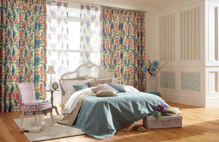 Fabulous Bedroom with Colorful Curtains
