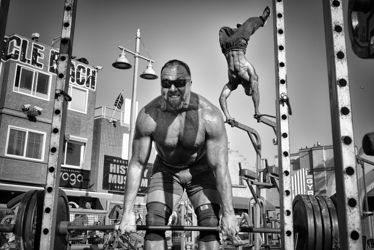 muscle beach gym photography by dotan saguy