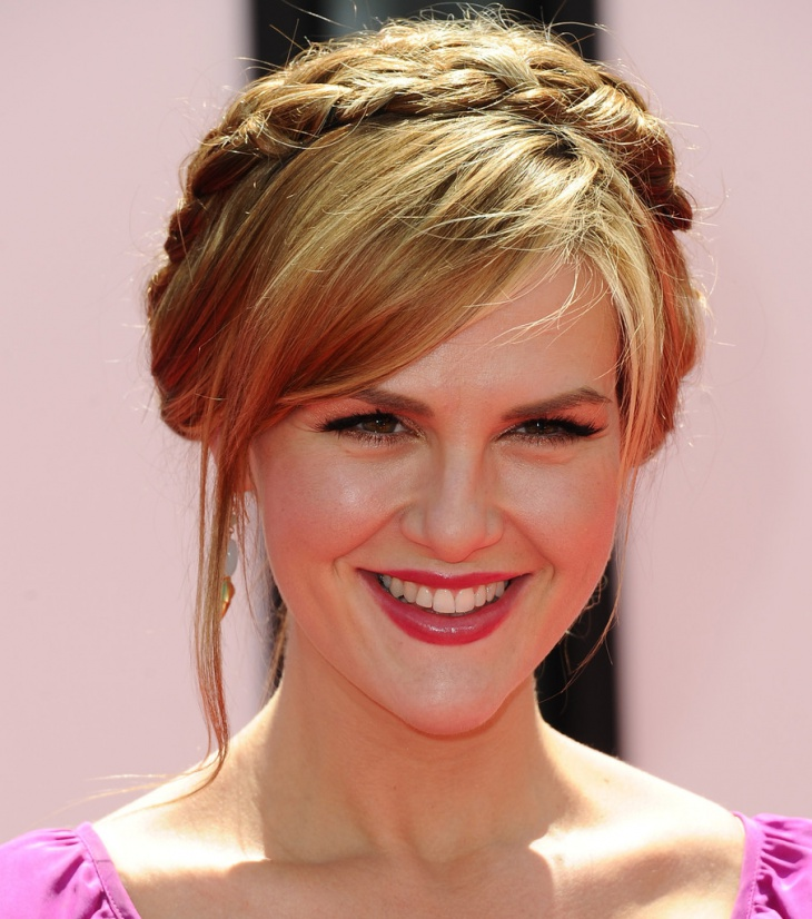 sara rue braided hairstyle