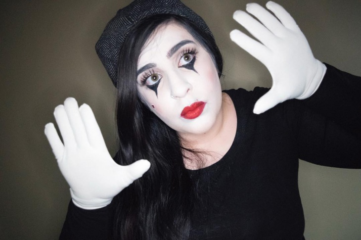 Awesome Mime Makeup for Girls