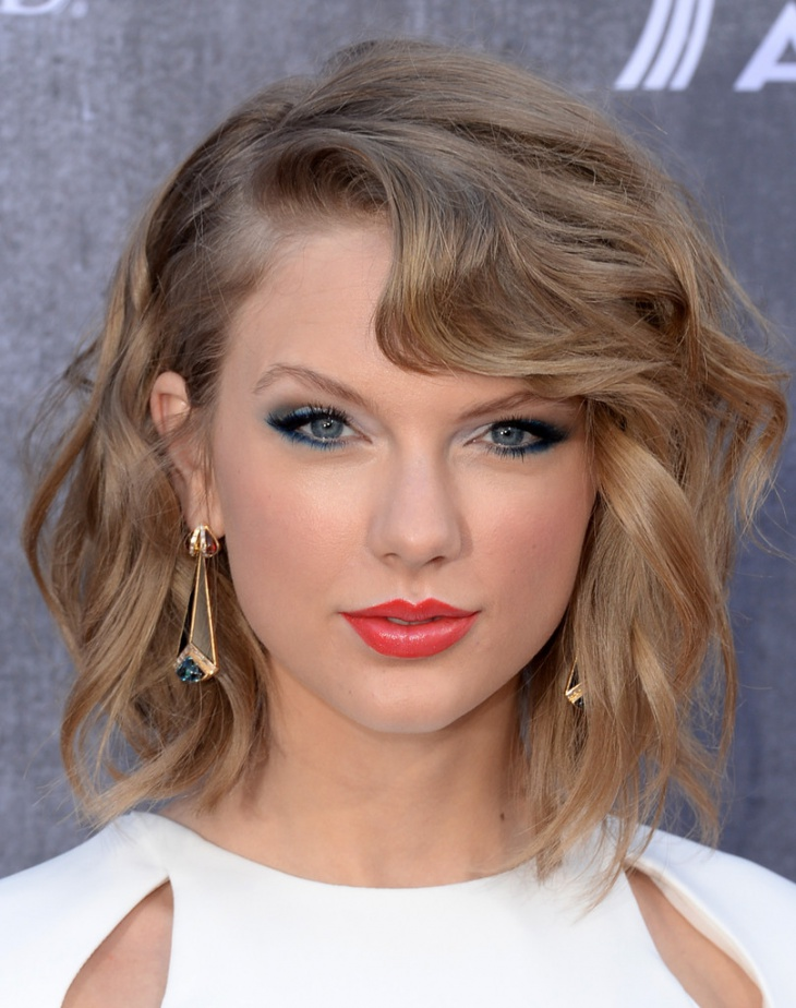 Taylor Swift Short Formal Hairstyle