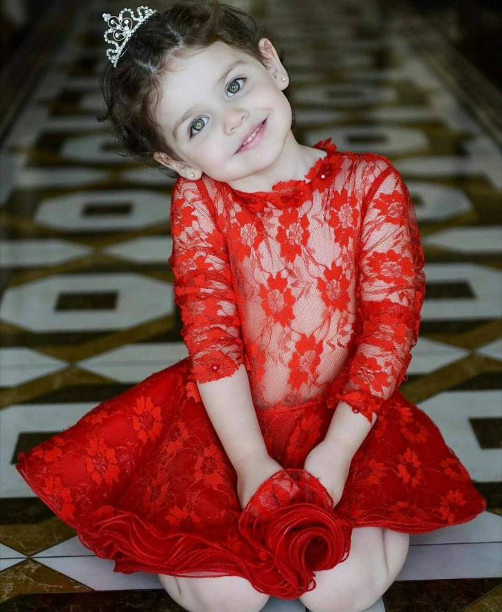 Long Red Frock Design Idea