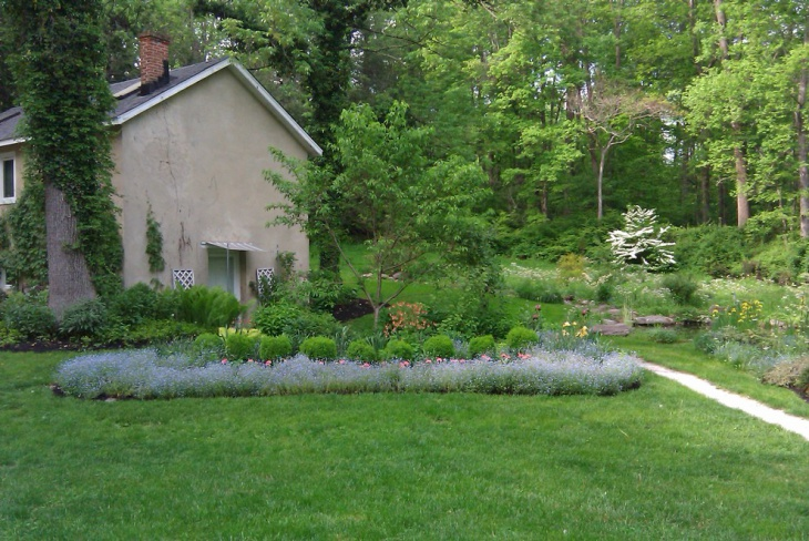 Green Summer Garden Design