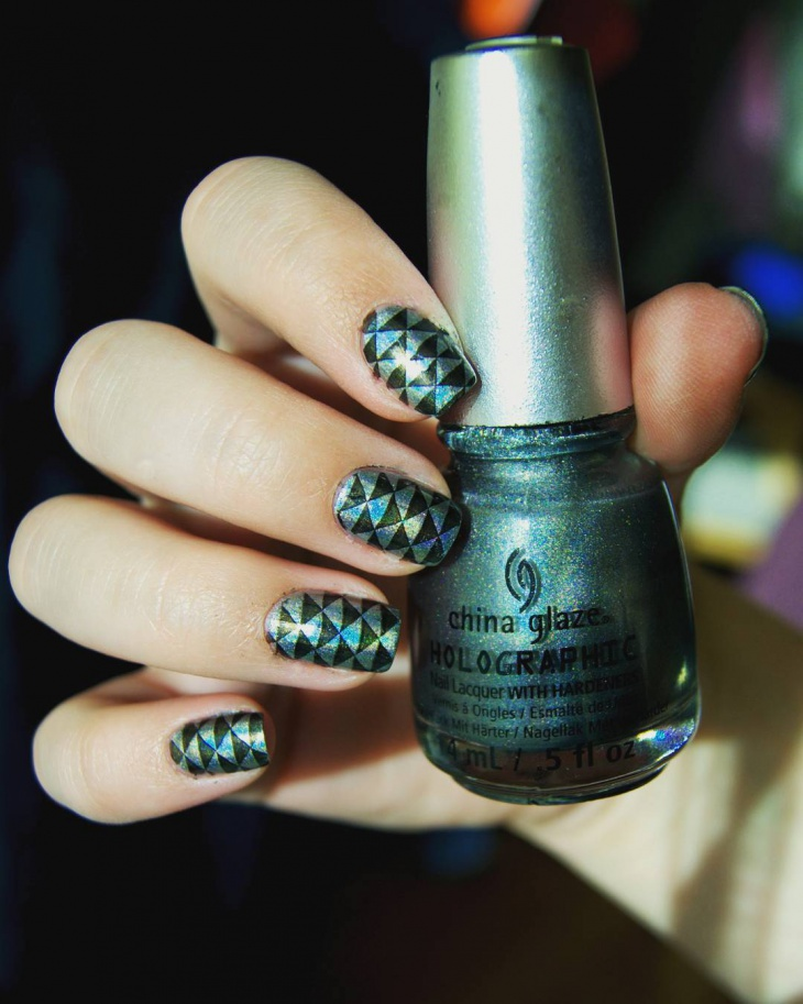 Triangle Halo Nails with Glitter