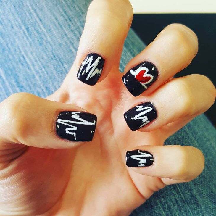 Heartbeat Gel Nail Design for Short Nails