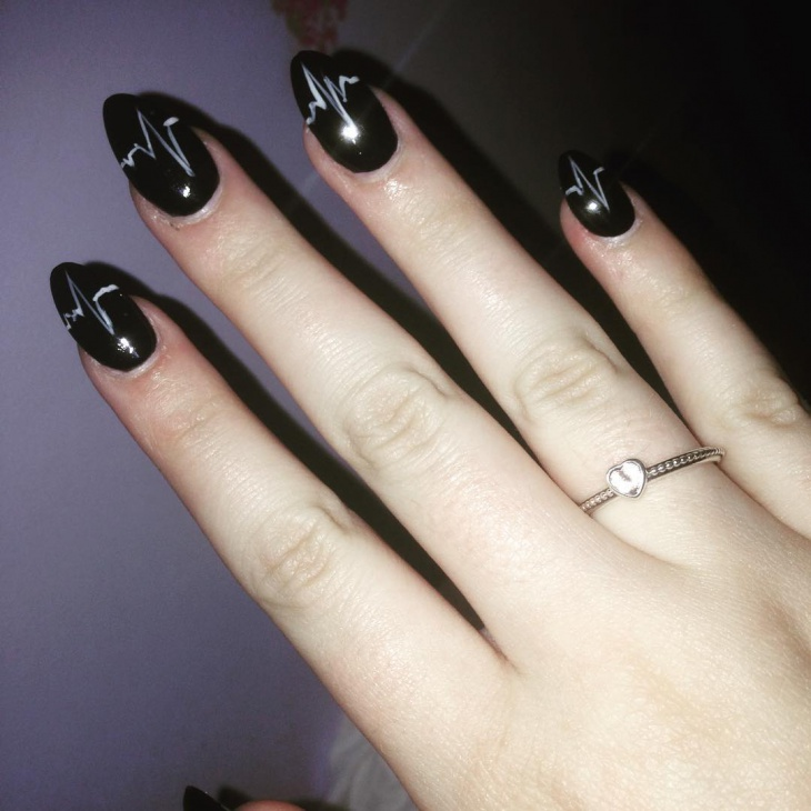 Stylish Black Heartbeat Nail Art