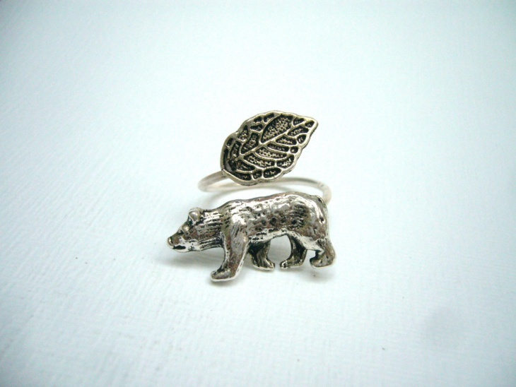 bear ring design