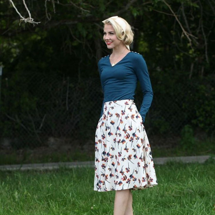 casual style floral skirt idea