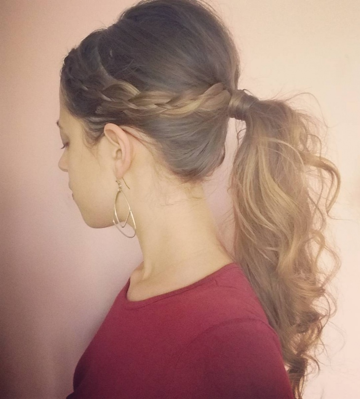 wavey hair with ponytail