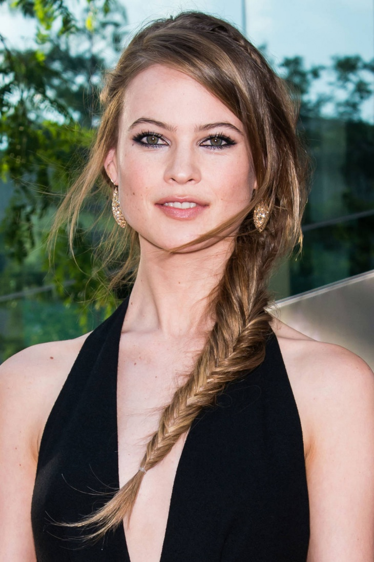 behati prinsloo side fishtail braid hairstyle