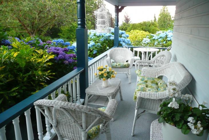 Center Furnished Hydrangea Garden