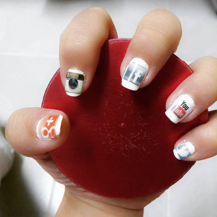 creative social media nail art