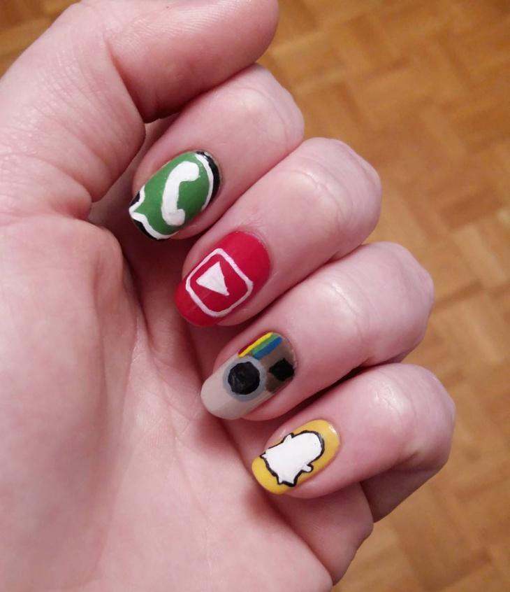 social media app nail art