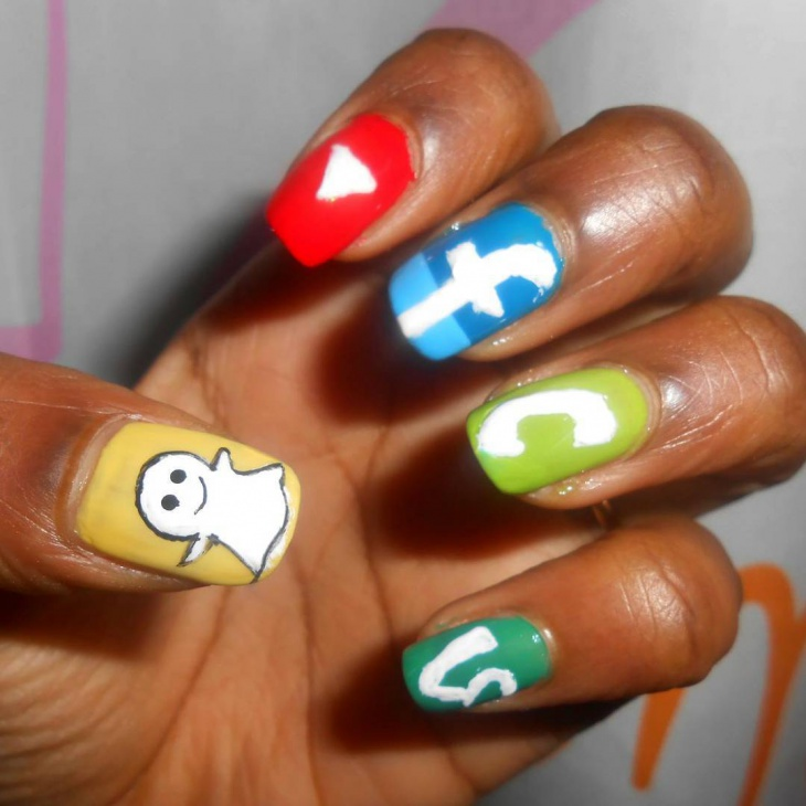 amazing social media network nail art