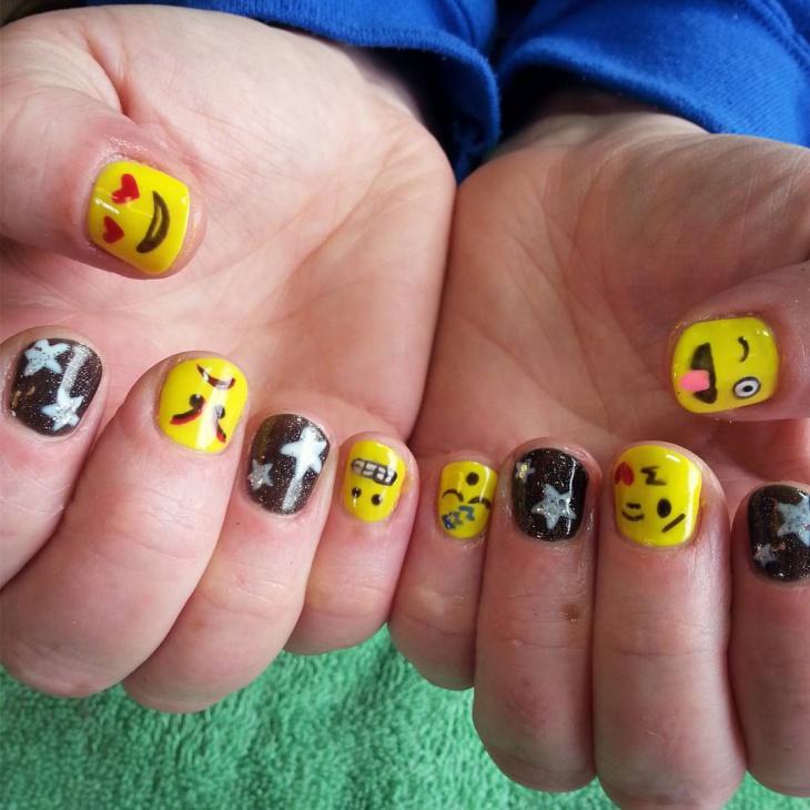 funny emoji nail art