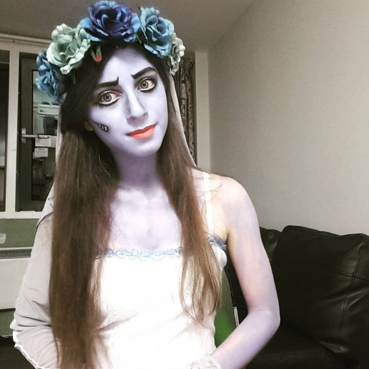 corpse makeup with flower crown