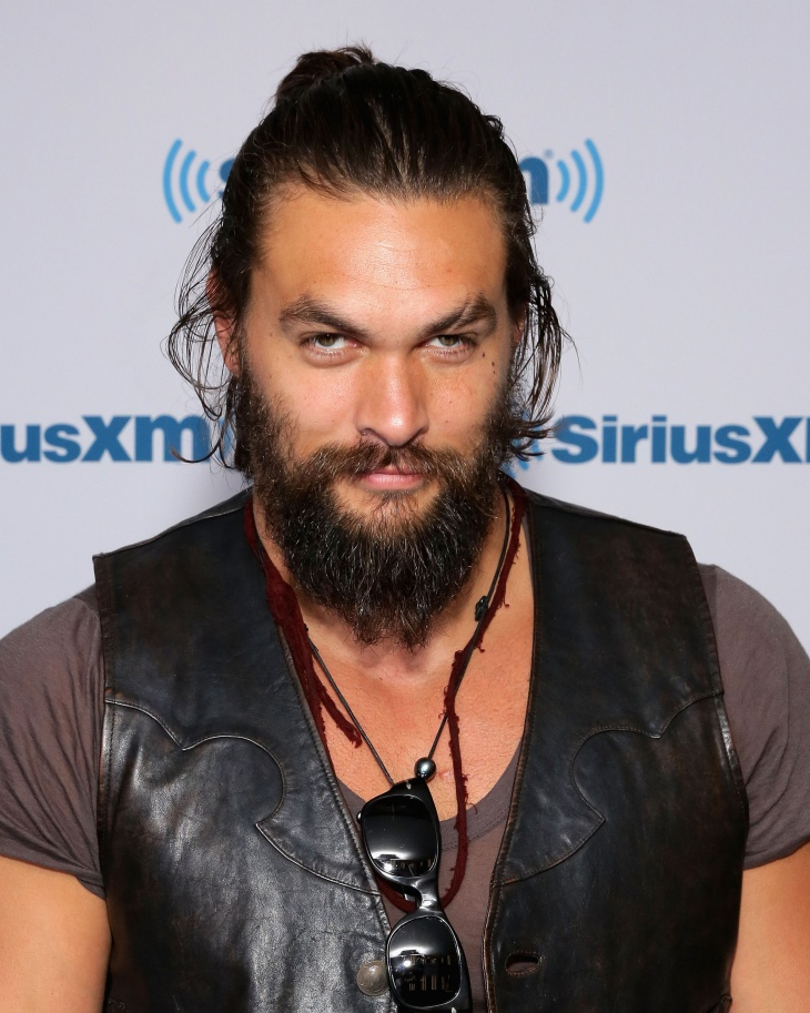 jason momoa bun hairstyle for long hair