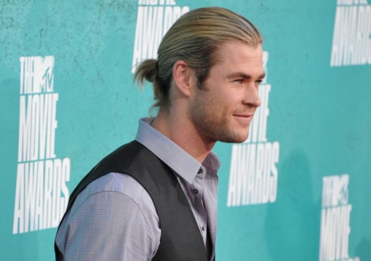 chris hemsworth bun hairstyle idea