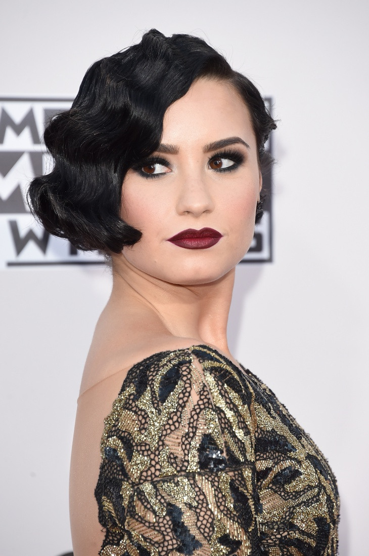 Demi Lovato Flapper Makeup