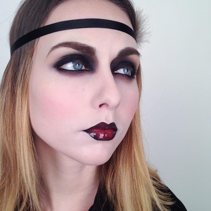 Cute Flapper Style Makeup