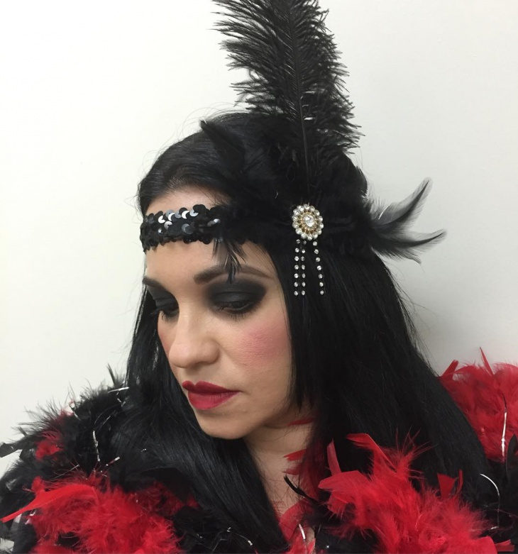 Flapper Makeup with Feather Headband