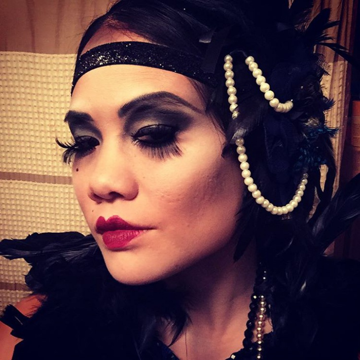 Flapper Halloween Girl Makeup