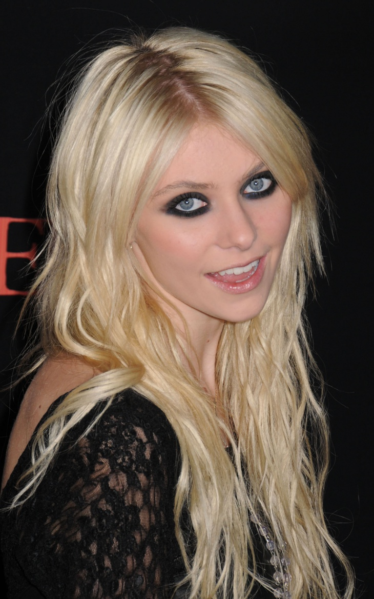 taylor momsen fun makeup idea