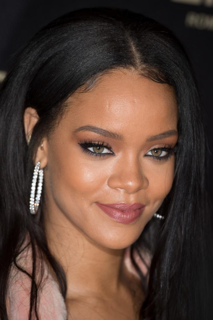 Rihanna Pastel Makeup Design