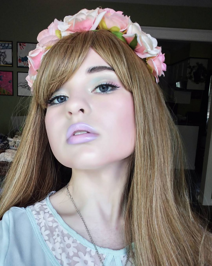 Creative Pastel Makeup Idea