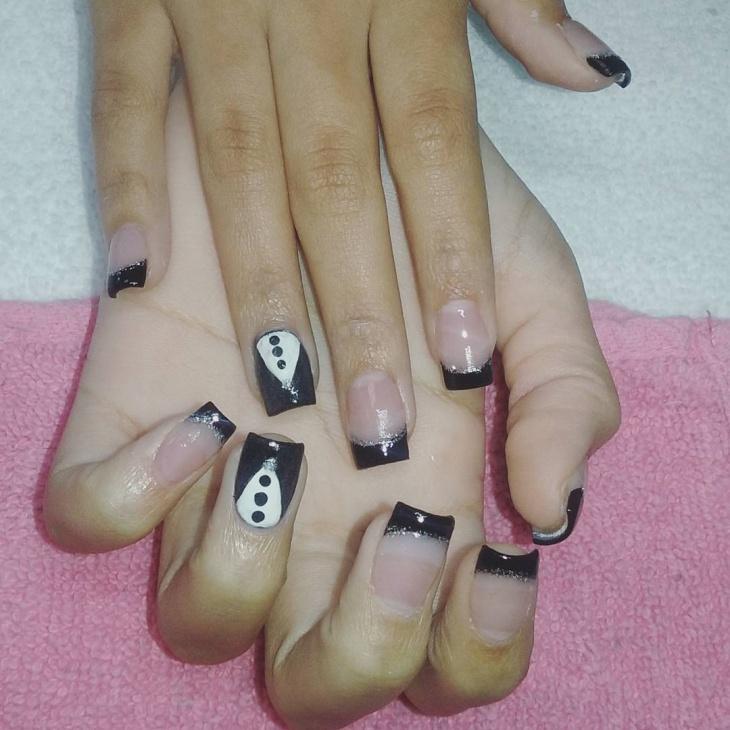 Glitter Tuxedo Nail Art Idea