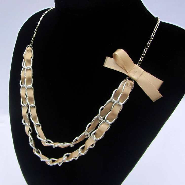 beautiful handmade necklace design