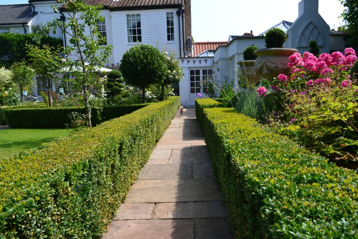 Treditional English Garden