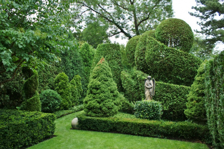 Topiary Garden Sculptures