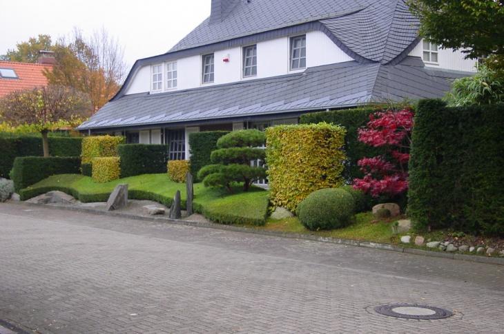 Exterior Topiary Garden