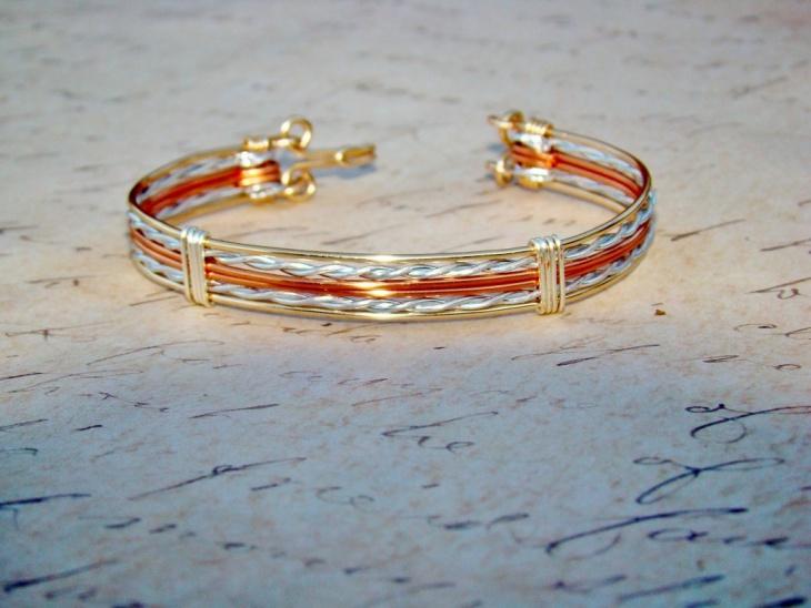 Colored Wire Jewelry Design