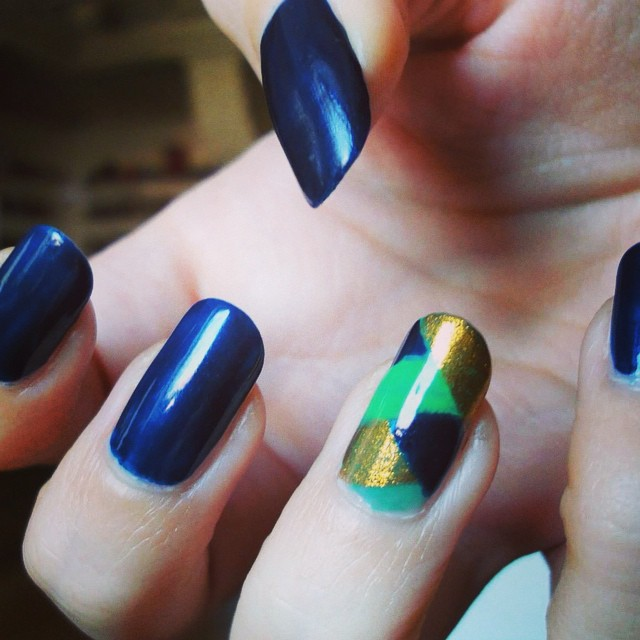navy blue nail art design
