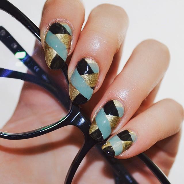 Classy Braid Nail Art