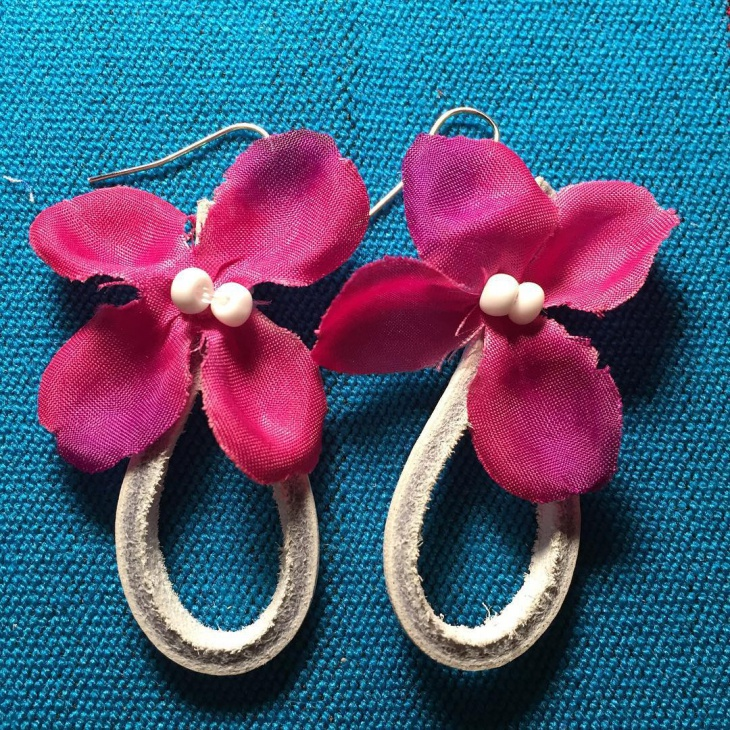 fashionable pink flower earrings