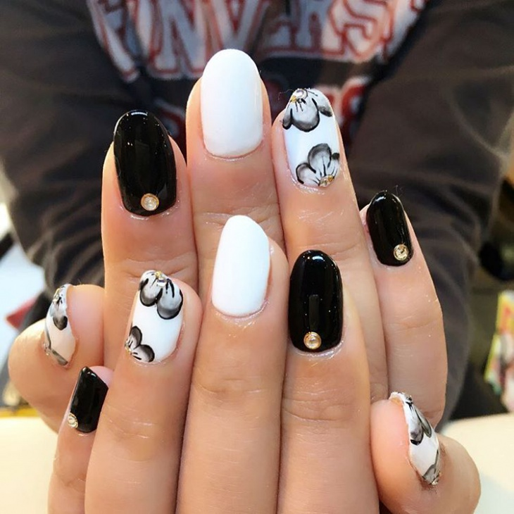 Black and White Lily Nail Art