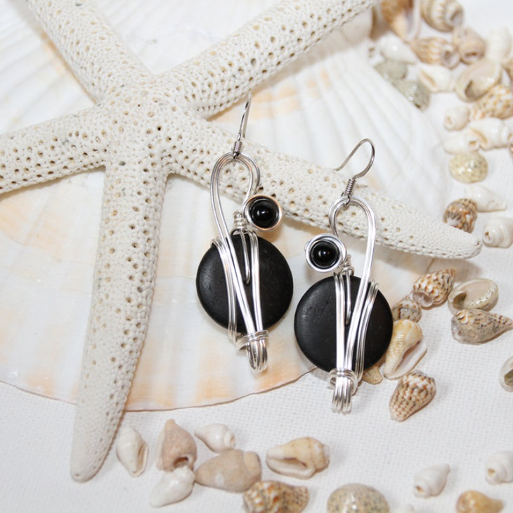 Black Dangle Earrings