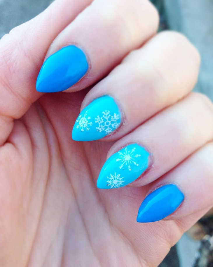 Snow Flower Nail Art