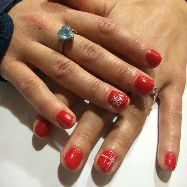 Red Snow Nail Art Design