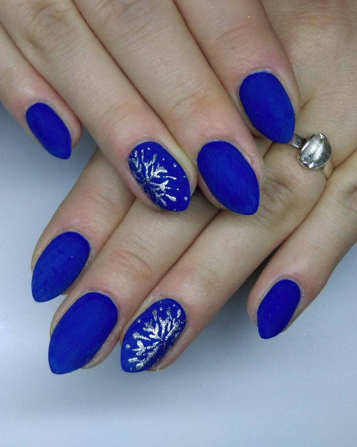 Pointy Blue Nail Art